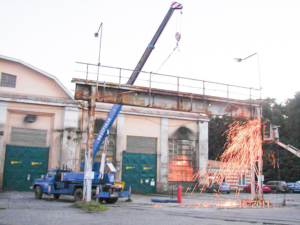 Likvidace a demontáž ocelových konstrukcí a technologických zařízení